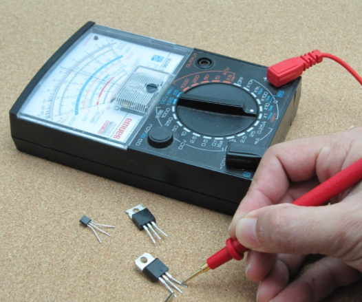 How to use a multimeter: Black and Red Wiring